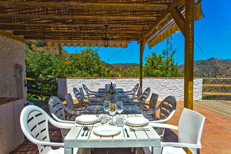 CASA COMPLETA COMPLEJO RURAL EL MIRADOR, holiday rental in Almogia