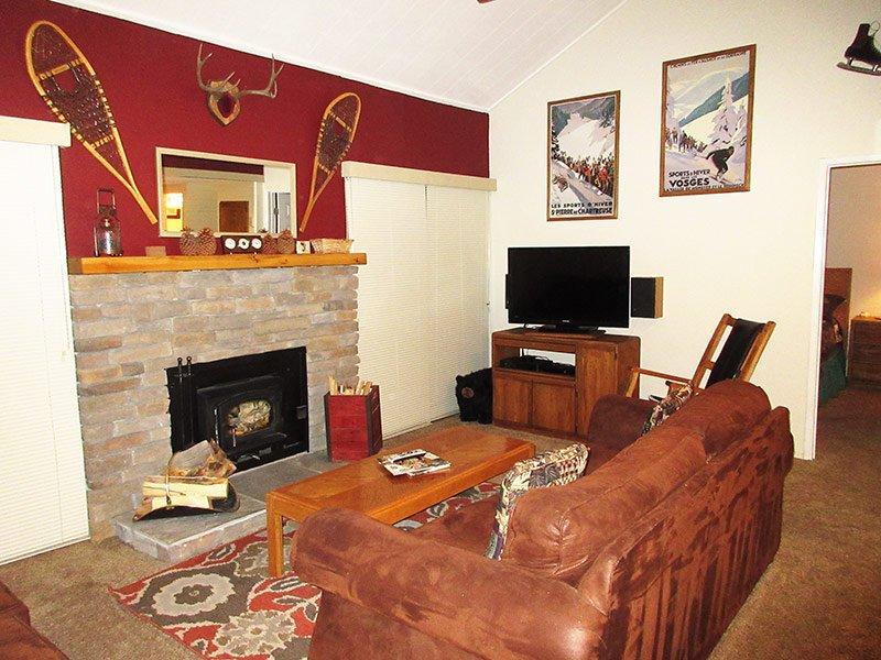La Residence - LR07P, location de vacances à Crowley Lake