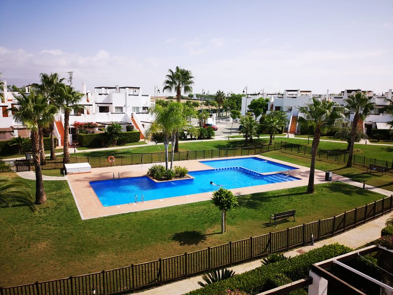 2 Bedroom Apartment Perfectly Located, alquiler de vacaciones en Alhama de Murcia