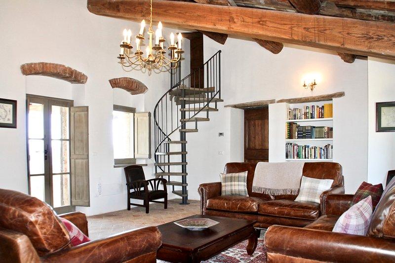 Schine Villa Sleeps 10 with Pool - 5048986, holiday rental in Morra