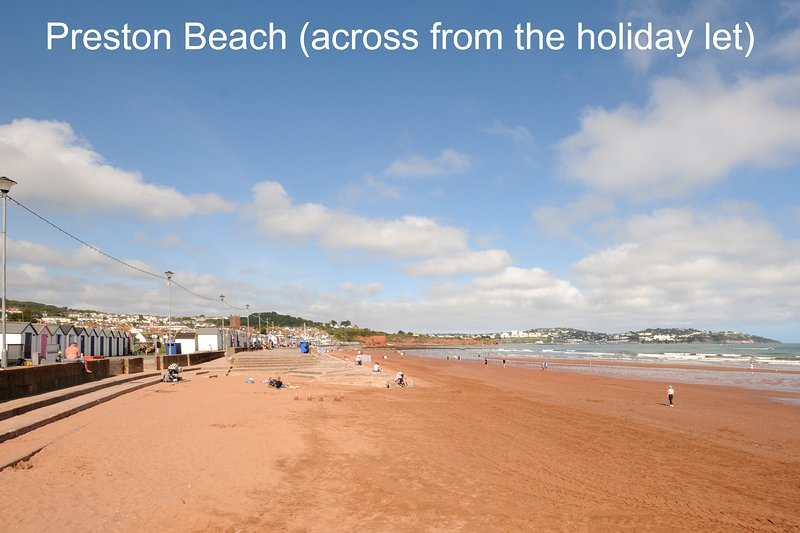 Wavecrest, Marine Drive, Seafront Location Paignton, Disabled & Pet Friendly, vacation rental in Paignton