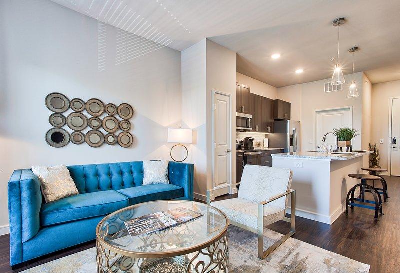 Modern Living Rm | Jefferson Vantage - JPI Suites