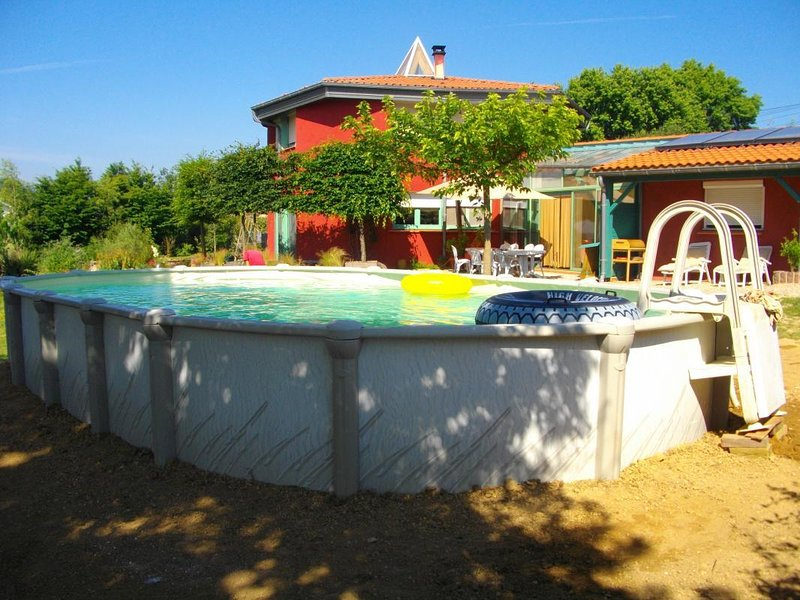 Nice villa with swimming-pool, vacation rental in Clermont