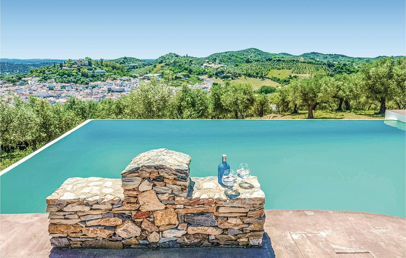 Amazing home in Constantina with 5 Bedrooms (EAC210), vacation rental in Constantina