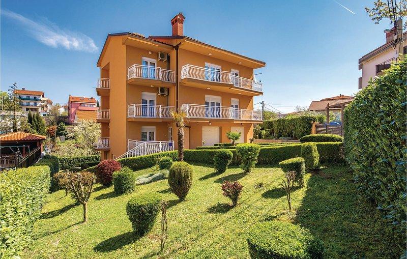 Nice apartment in Viskovo with WiFi and 1 Bedrooms (CKO869), holiday rental in Viskovo