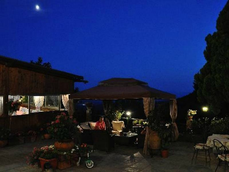 Quiete Room With Breakfast In Tuscany, holiday rental in Sassofortino