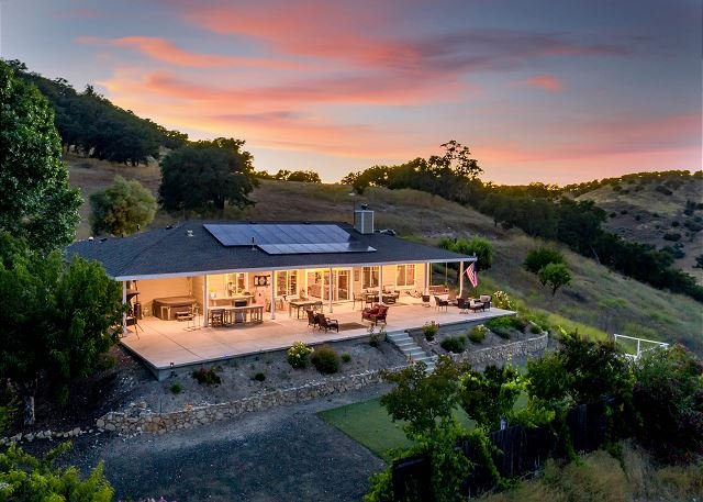 The J's Nest is a Country Delight!, holiday rental in Lake Nacimiento