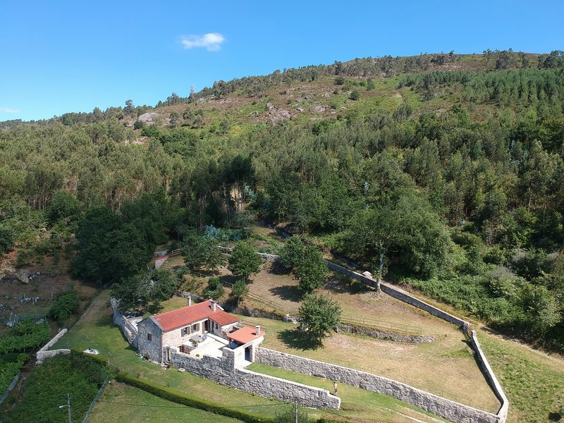 Casa Costiña, vacation rental in A Lama