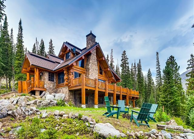 Idyllic Log Cabin with Mountain-View Wraparound Deck | Near Breckenridge, location de vacances à Breckenridge