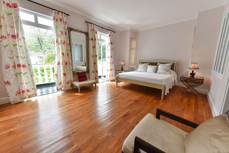 Criollo House: Mountain View Room 5, vacation rental in Beau Vallon