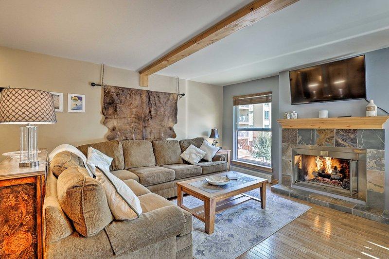 Reserve su escapada de esquí Vail a este condominio de 2 dormitorios y 2 baños amueblado con buen gusto.