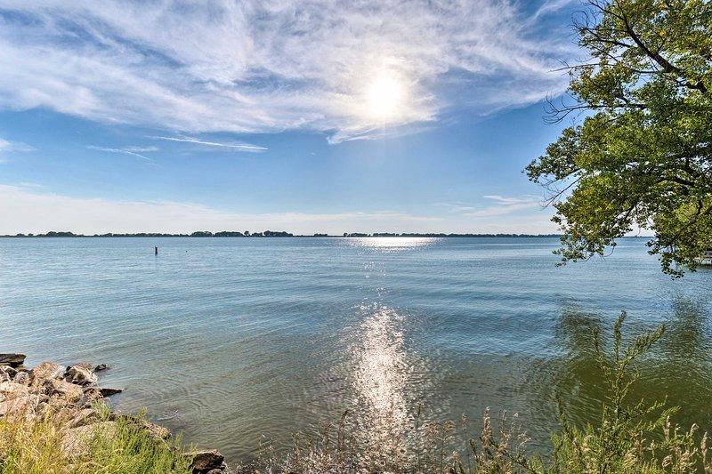 A pasos del lago, este alquiler de vacaciones de 5 dormitorios y 2 baños no tiene parangón.