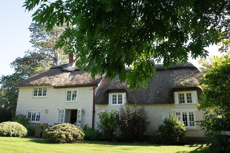 Stunning River Cottage, in the heart of Dorset