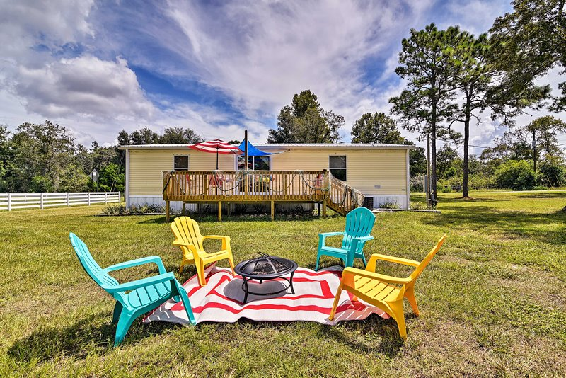 Nautical Home w/ Kayaks+Deck on 1 Acre by Manatees, holiday rental in Homosassa Springs