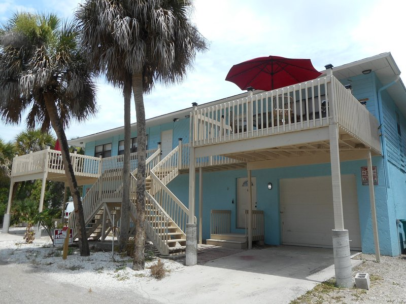 Manasota Key Condo short walk to Private Beach access! Private deck, vacation rental in Englewood