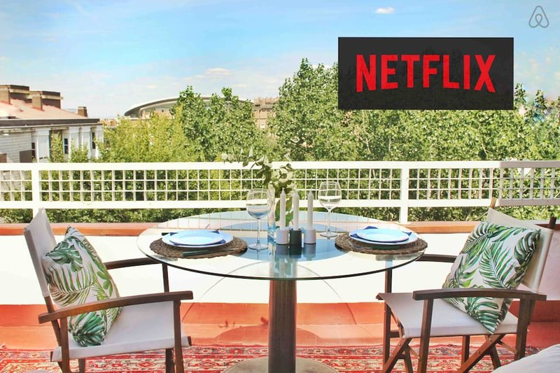 Lovely terrace with direct views to the Wanda Metropolitano. Netflix included.