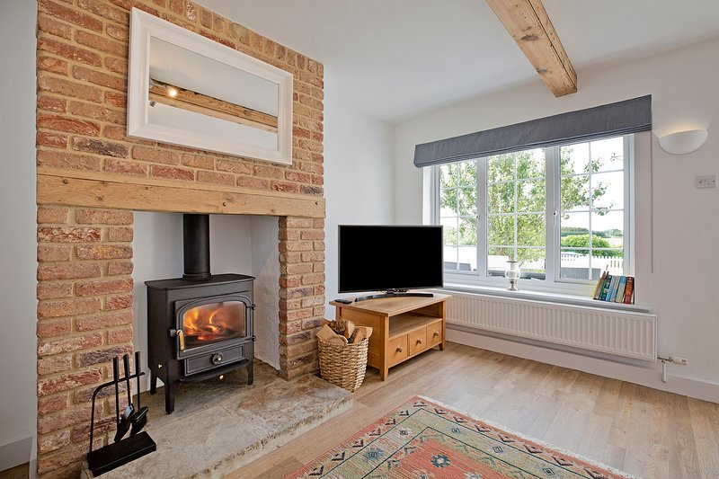 Cosy, comfortable cottage escape between York, Knaresborough, and Harrogate, holiday rental in Tockwith