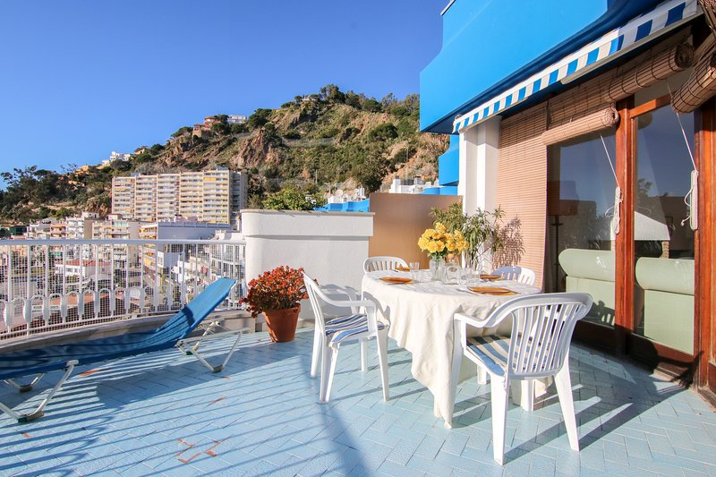 Harborside apartment w/ sea view & large terrace - steps to beach, 1 dog OK!, holiday rental in Blanes