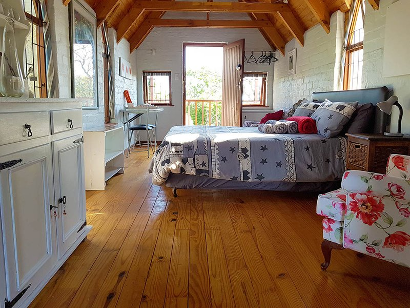 Studio on McLeod - self-catering accommodation, holiday rental in Somerset West