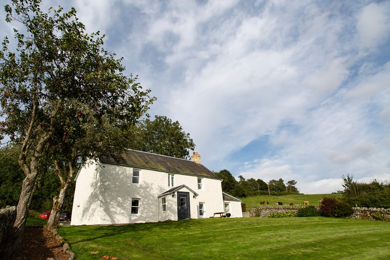 Old Milton of Drimmie Cottage, holiday rental in Birnam