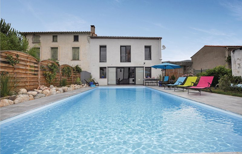 Stunning home in Marquixanes with Outdoor swimming pool and 3 Bedrooms (FLP166), holiday rental in Rigarda