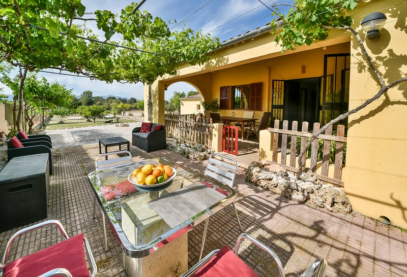 Finca 'Sa Raconada' in Algaida, vacation rental in Santa Eugenia