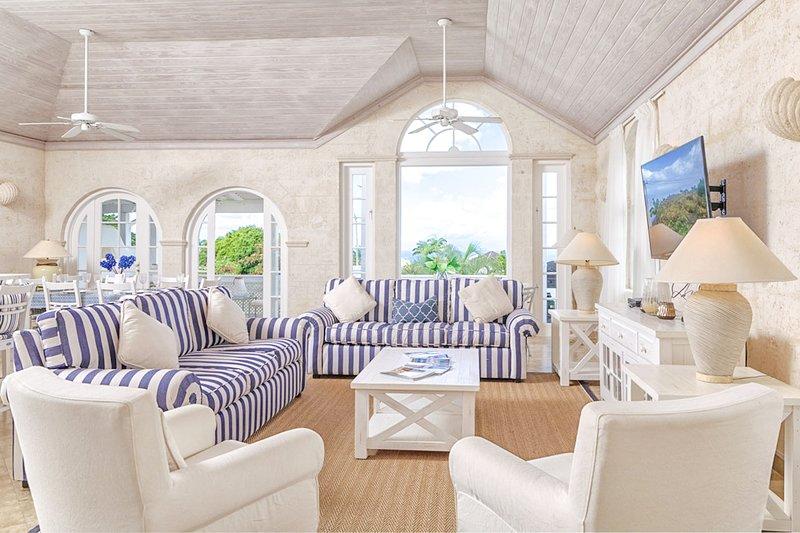 ¡Bienvenido a Happy Days! Un hogar soleado con temática náutica lejos de casa
