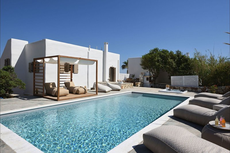 Villa Paros, holiday rental in Ampelas