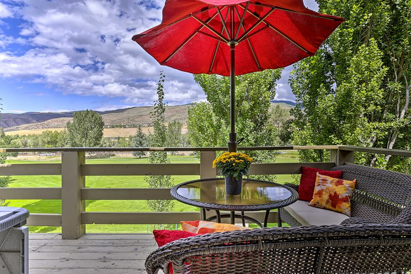 Trendy Avon Townhome - 2 Miles to Beavercreek, vacation rental in Eagle-Vail