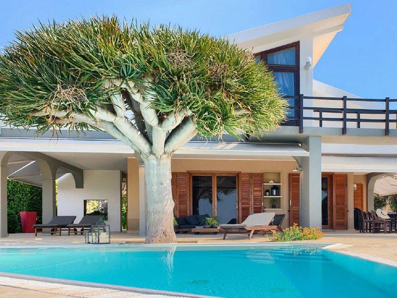Plemmirio Villa Sleeps 8 with Pool Air Con and WiFi - 5813530, location de vacances à Plemmirio