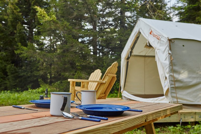 Tentrr Signature Site - Catskills Woodland Hideaway, vakantiewoning in Smallwood