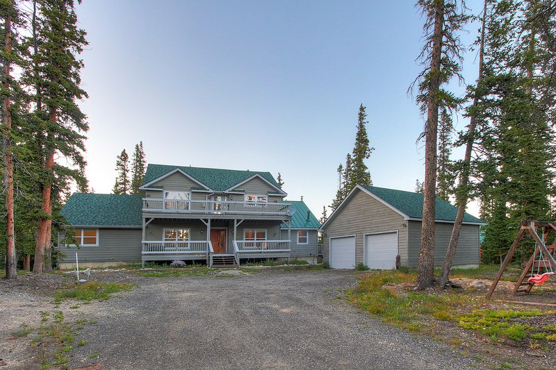 FREE SkyCard Activities - Large 6 Bedroom Home, Gas Fireplace, Scenic Mountain, holiday rental in Alma