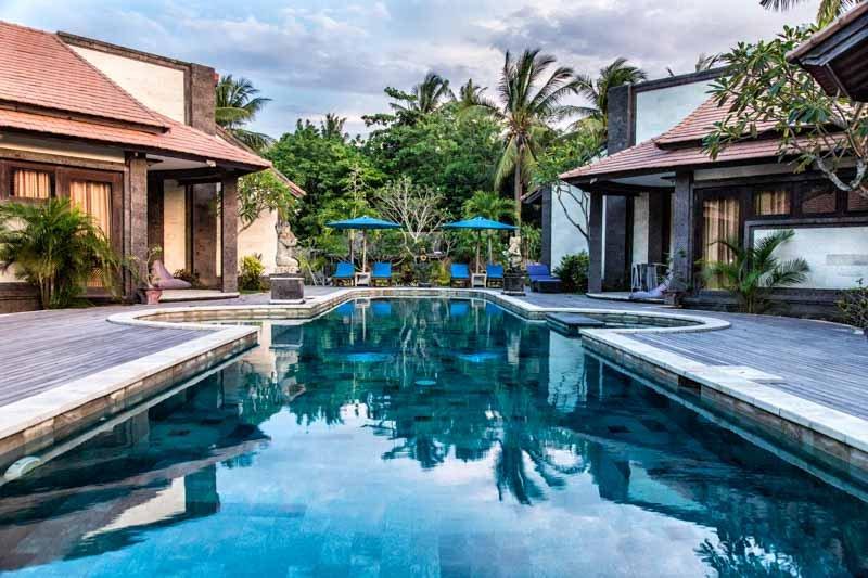 Pondok Frangipani : Whole resort just for yourselves 8 BR around a huge pool, holiday rental in Nusa Penida