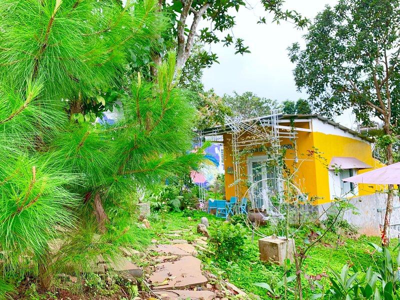 MeGarden Yellow House, casa vacanza a Gia Nghia