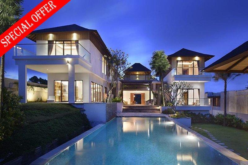 Serenita Luxury 3 Bedroom Villa Ocean View, Uluwatu, location de vacances à Ungasan