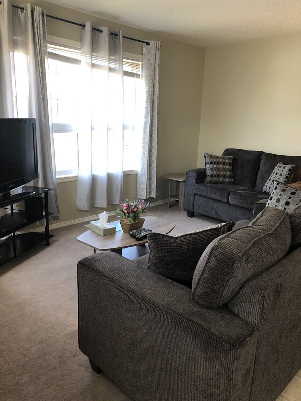 Simply Beautiful and Homely, holiday rental in Airdrie
