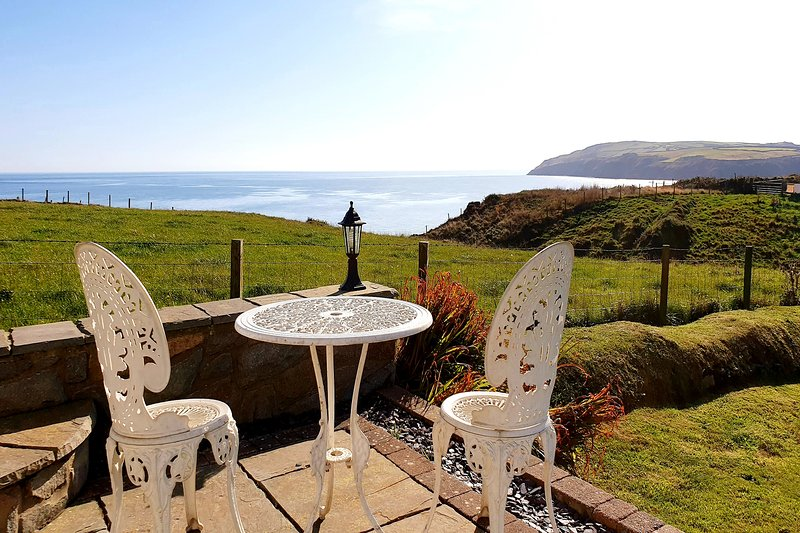 Bodnant, Coastal Holiday Home, sea views, walk to village, dog welcome, WiFi, location de vacances à Aberdaron