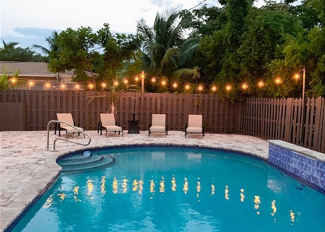 Sunny Retreat w/ Large Private Pool & Grill, Near Championship Golf & Tennis, holiday rental in Coconut Creek
