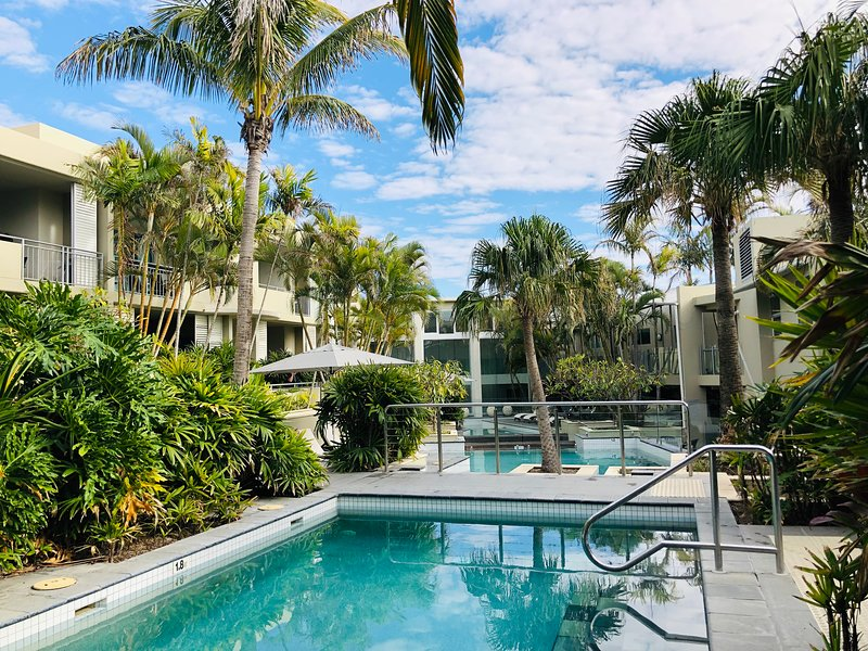 Absolute Beachfront Cabarita - 2 Bed Apartment With 3 Swimming Pools & Spa, location de vacances à Cabarita Beach