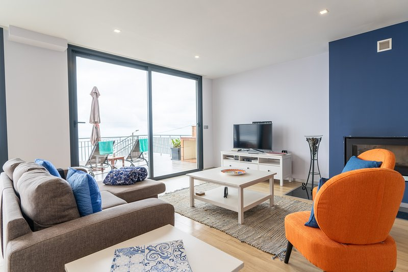 Apartment Goncalves ,views over sea and  mountains, holiday rental in Arco da Calheta