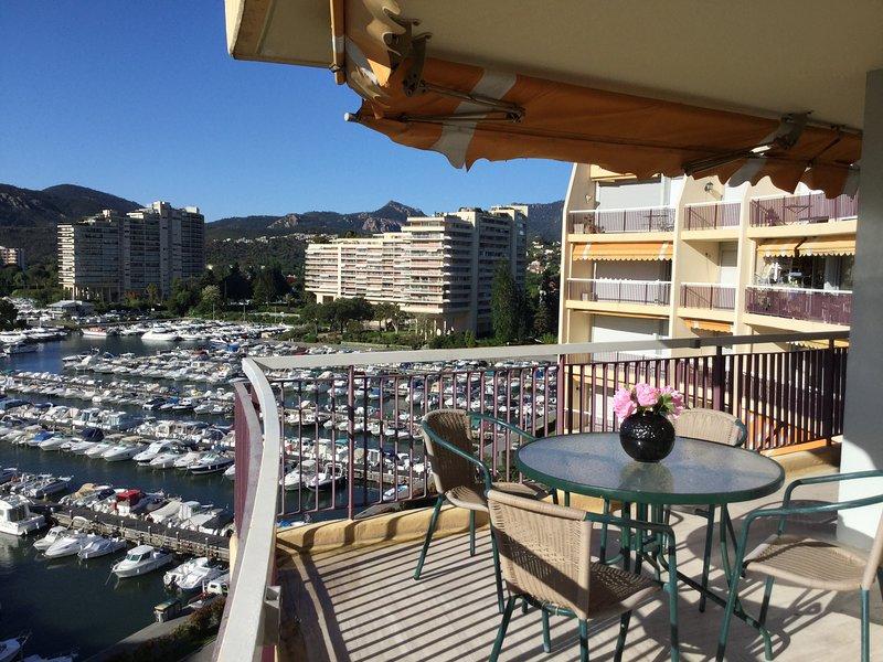 Appartement 'Le France II' avec vue sur Cannes Marina et les Ïles de Lerins – semesterbostad i Mandelieu-la-Napoule