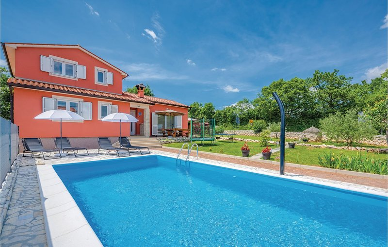 Nice home in Labin with WiFi and 3 Bedrooms (CIK718), holiday rental in Sveti Bartol