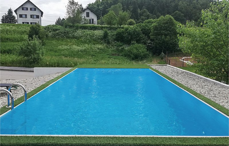 Amazing home in Crni Lug with Sauna, WiFi and 3 Bedrooms (CKB196), holiday rental in Cabar