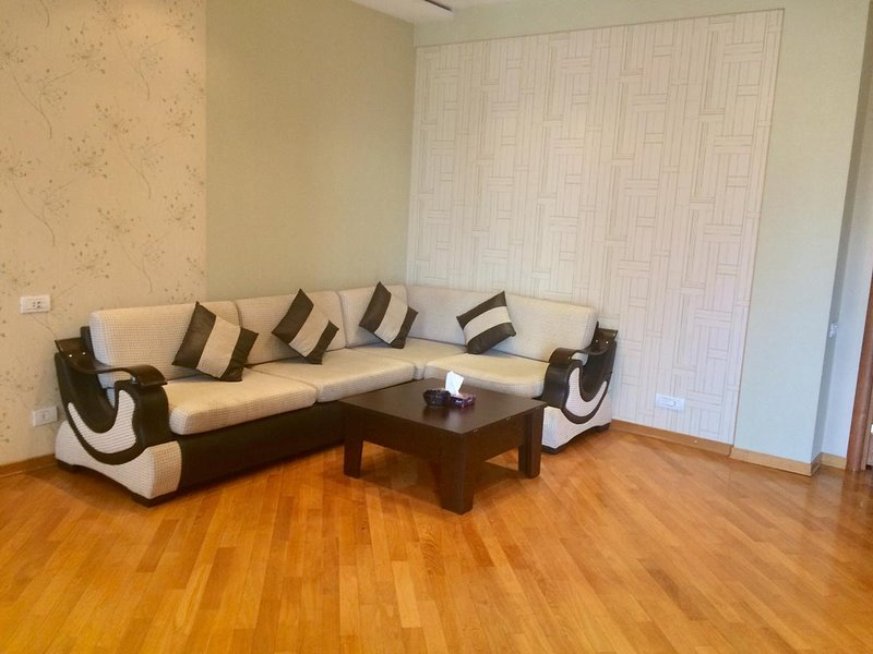 3 bedroom Apartment in center-near 28th may Subway, holiday rental in Daghlig Shirvan Region
