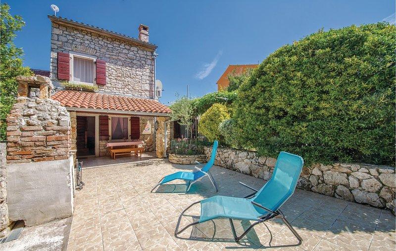 Nice home in Pula with 1 Bedrooms (CIB277), casa vacanza a Pomer