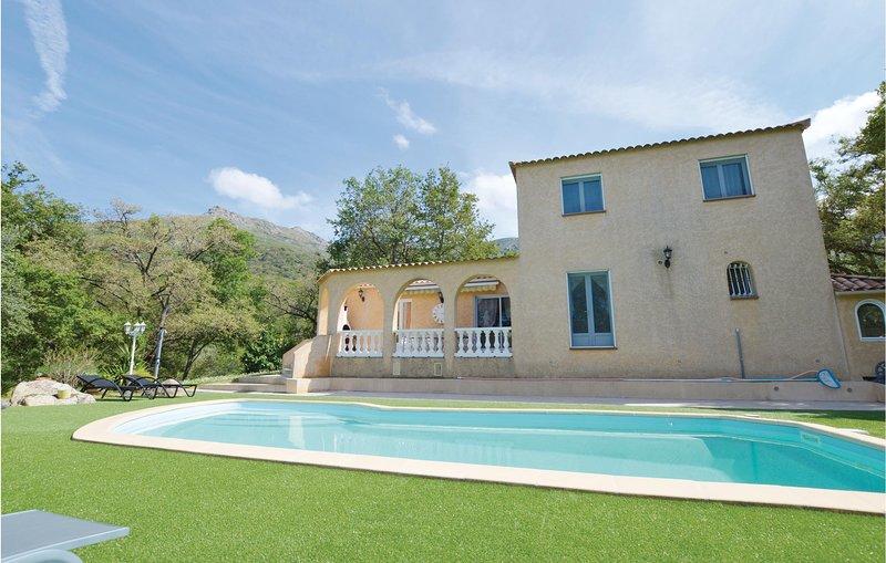 Stunning home in Ville di Paraso with WiFi and 1 Bedrooms (FKO329), location de vacances à Ville-di-Paraso