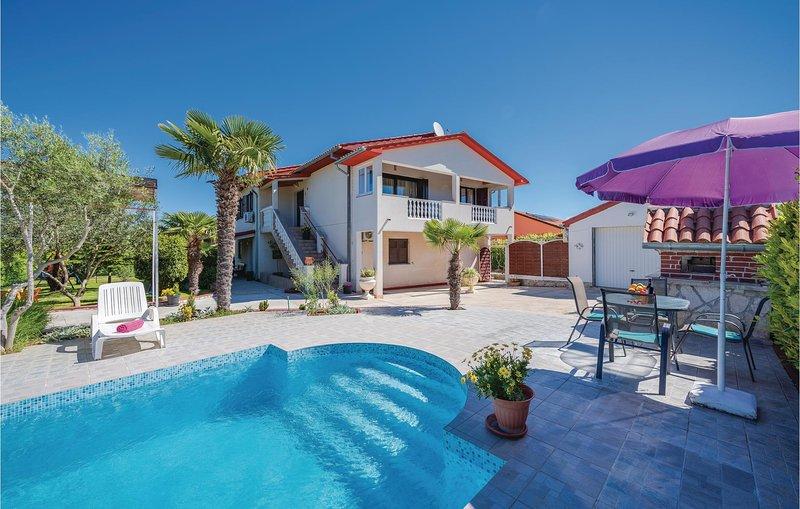 Stunning home in Labin with 4 Bedrooms (CIK690), holiday rental in Rasa