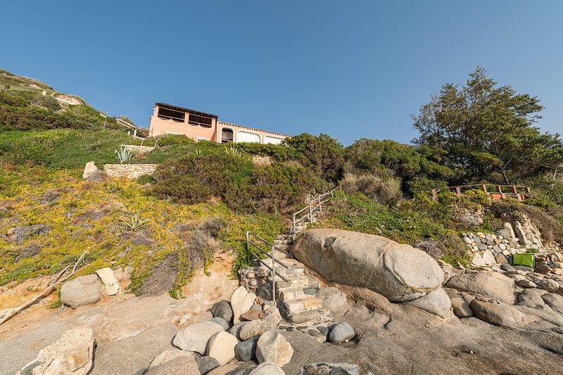 Vista della Villa dal lato mare