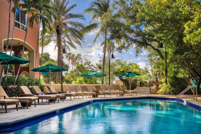 COCONUT GROVE ESCAPE, 1BR SUITE, POOL, SAUNA, holiday rental in Coral Gables