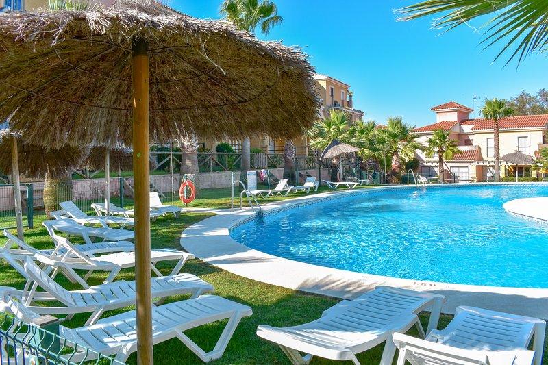 Chalet Adosado en Islantilla - Costa de la Luz, holiday rental in Cartaya